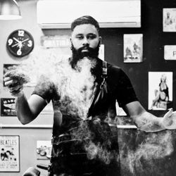 Arthur Rodrigues - Bertoldos Men Salon