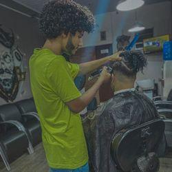 Matos Barbeiro - Barbearia Tesoura De Ouro