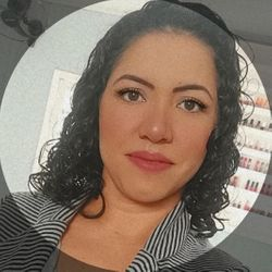 Neia - Beauty Club Graciele Meireles