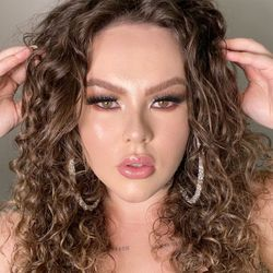 Carol Proença - Caroline Proença - Serviços De Beleza