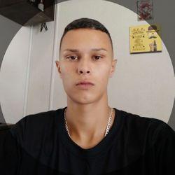 Bruno Santos - Barbearia Valente
