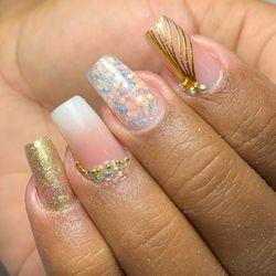 Isabelle(UNID.BESSA) - Fashion Nails