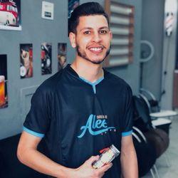 Edi barbeiro - Barbearia Do Alee