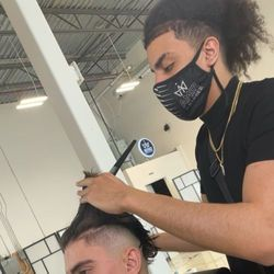 Marox - District Barbershop