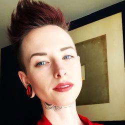 Ashlie Palmquist - B. Sweet Fashion Beauty & Jewelry