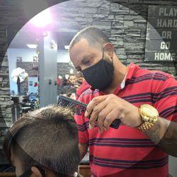 Manny Rojas - Royal Cuts & Styles Men's Hair Studio