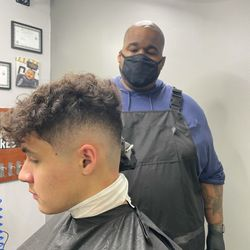 Andre - In & Out cuts Barbershop