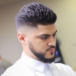 Alex Martinez - Beardsleys Barbershop
