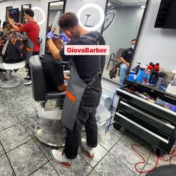 GiovaBarber en Rohena Barber Shop, 797 Avenida Campo Rico, CX5X+4G San Juan 1001 Cll Alejo Cruzado, San Juan, 00924 (al lado de la perfumería FS), San Juan, 00924