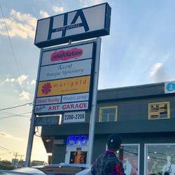 La Flame The Barber, 2208 S Lamar Blvd, Austin, 78704
