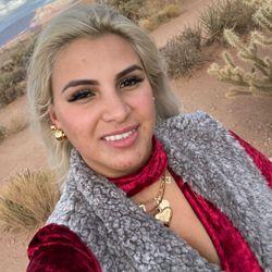 Claudia Mustafa - Y&A Glam Nails