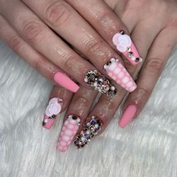 Nails By Nellie B, 1013 pembrook rd, Cleveland, 44121