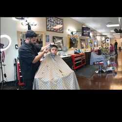 YE THE BARBER, 1950 nnw loop 323, 700, Tyler, 75702