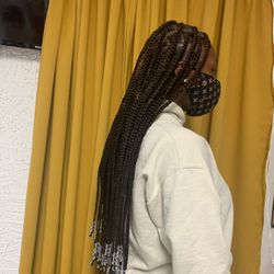 Sakira Hair Braiding And Weaving, 165 Maples Avenue East, Suite 103A, Vienna, 22180