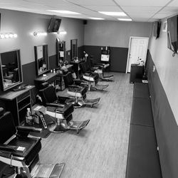 The Social Lounge Grooming Company, Lackland Rd, 9438, Overland, 63114