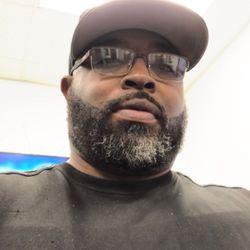 Royel Kuts @ (JHenrys Barbershop), 644 W.Church St., Orlando, 32805