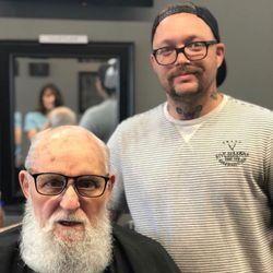 Captain Zac the Barber (five seasons hair and beard studio), Collins Rd NE, 300, Five seasons, Cedar Rapids, 52402