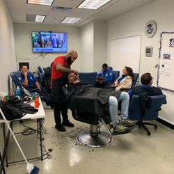 B Snipped Barbershop- Bill, Ray Charles Blvd, 1248, Tampa, 33602