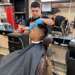 Davi Blendz Barbers Company, 5303 W Greenfield Ave, West Milwaukee, 53214