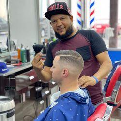 El montro - Fernandez Style Barber Shop
