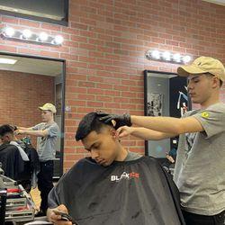 E The Barber @LegitCutz, S Kedzie Ave, 5223, Chicago, 60632