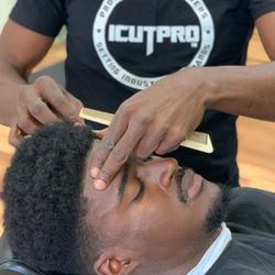 Reggie @reg_tha_barber_ - The Haircut Pro