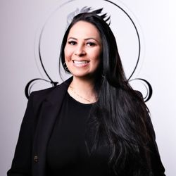 Iara Carvalho - Lucas Lima Barbers Beauty