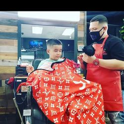 Drew The Barber - Supreme barbershop