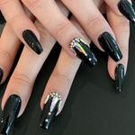 V Nails and Spa