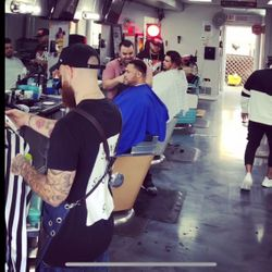 Leroy Avenue Barbershop, W Belmont Ave, 6136, Store front, Chicago, 60634