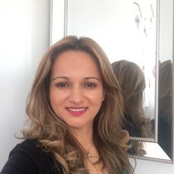 Alba Castro - Divine Hair Design