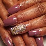 Nish Nails