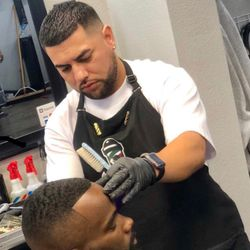 Barber Johnny, 902 N Central Ave, Suite 5, Tracy, 95376