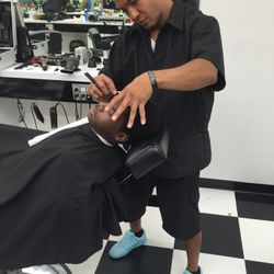 Chava @BarberTown, 1051 Waukegan Rd., Glenview, 60025