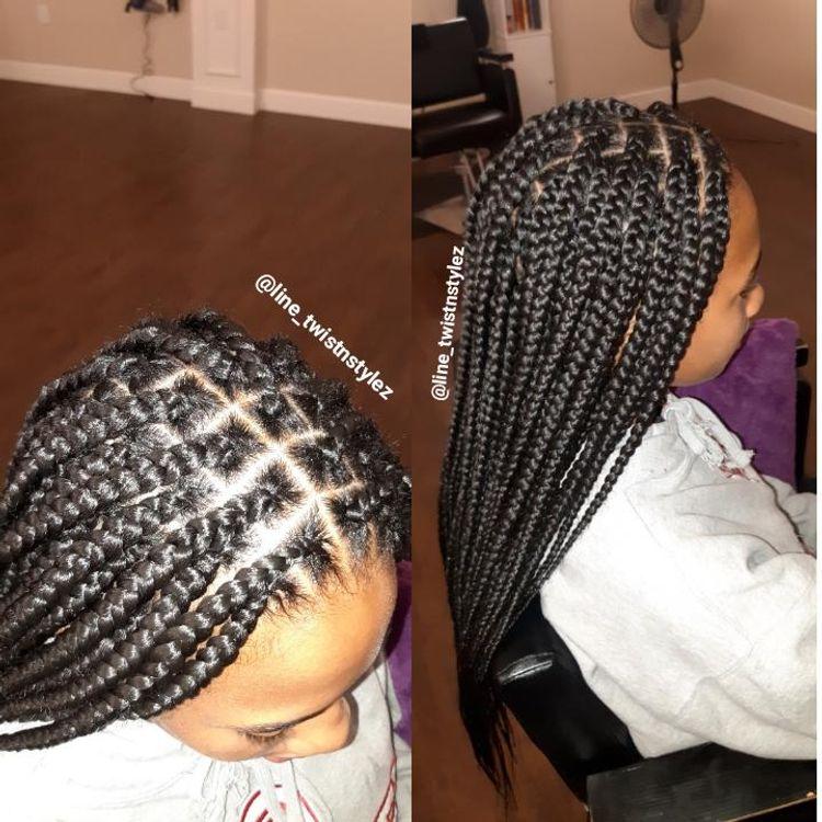 Knotless box braids (medium size, mid back)