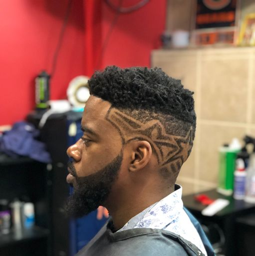 DEE the Barber