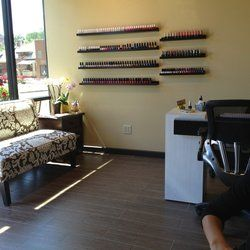 B Nails Salon