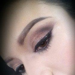 Q Makeup Artist