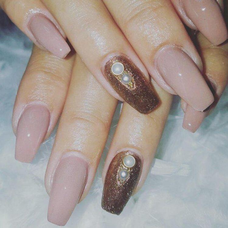 Luce bellas tus manos con elegantes y modernos diseños