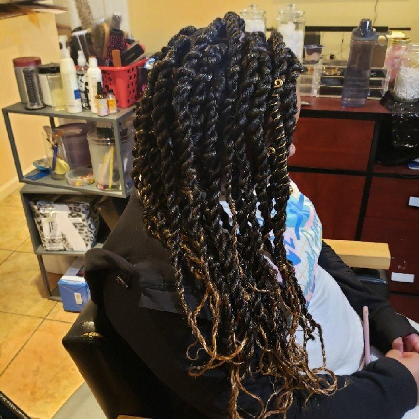 Hair Salon, Beauty Salon - Sarah Peña