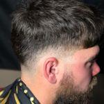 Platinum Sal's Hair Studio