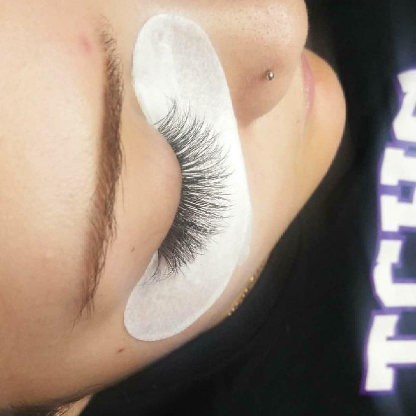 Eyebrows & Lashes - Fancy Lashes