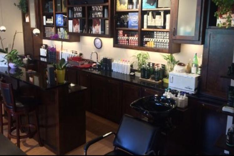 •Touch Of Class Salon & Spa