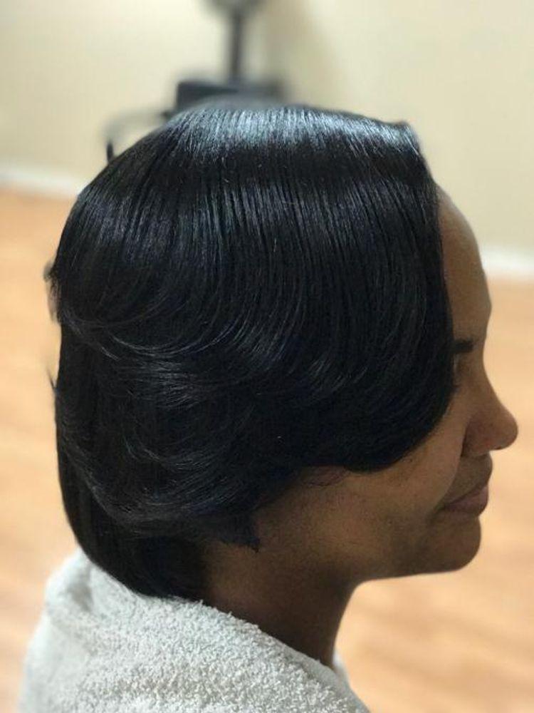 Natural hair silk press & Trim