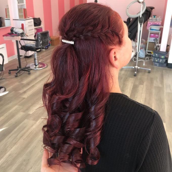 Beauty Salon - Noni's Beauty Venue