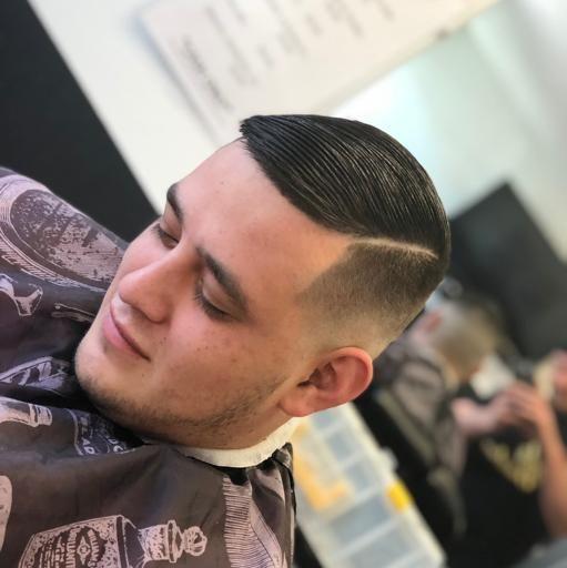 Barbershop, Hair Salon - MᴀxTʜᴇBᴀʀʙᴇʀ