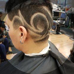 Erik Milk at Hair Experts, 4653 S King Dr, Chicago, 60653
