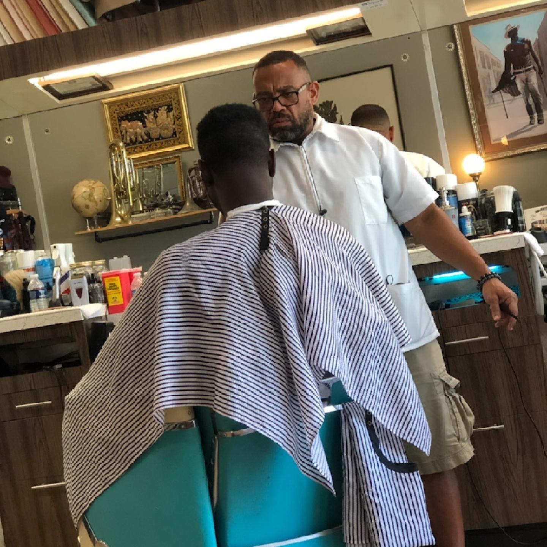 Barbershop - Exqcuts By Terrell @ Hygienix Barber Company
