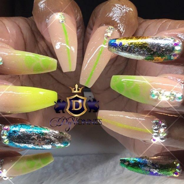 Nail Salon - D'yVonne's Nails And Beauty Bar