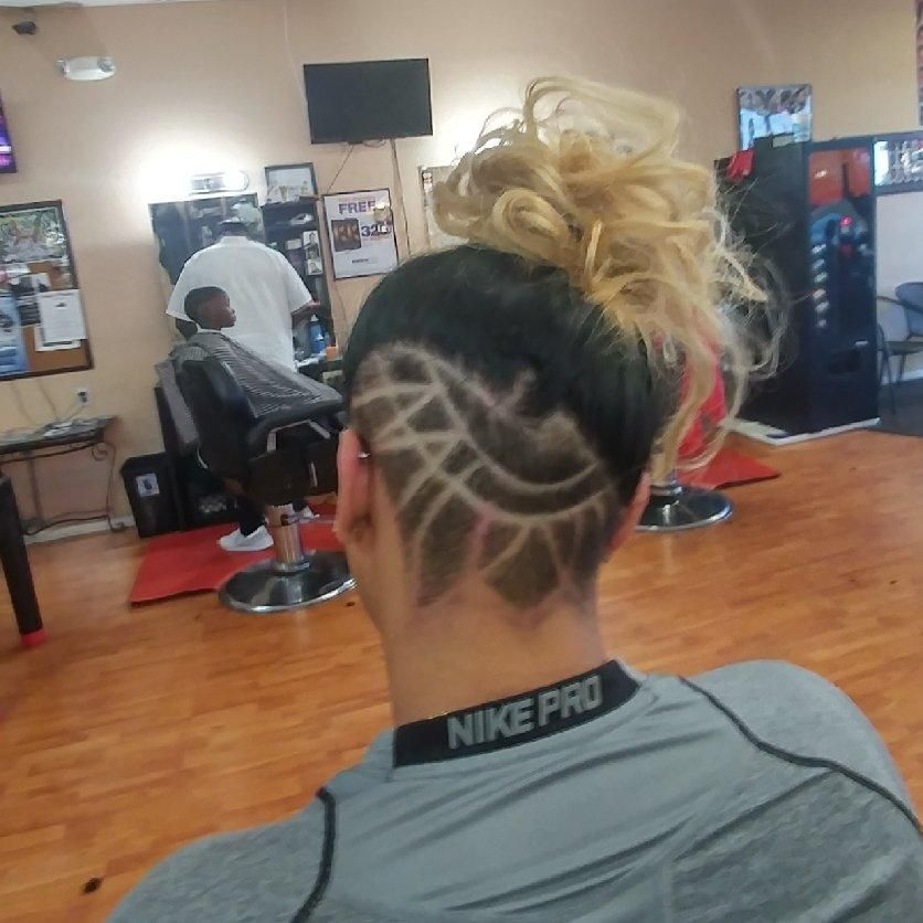 Barbershop - Mark's Cuts